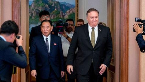 Ngoại trưởng Mỹ Mike Pompeo (phải) và Phó chủ tịch đảng Lao động Triều Tiên Kim Yong-chol trong cuộc gặp tại New Yorrk đầu tháng 6. Ảnh: ABC.