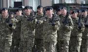 Khủng hoảng nhân sự, quân đội Anh tăng tuyển mộ người ngoại quốc