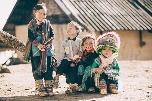Trẻ em dân tộc thiểu số ở xã Y Tý, huyện Bát Xát, tỉnh Lào Cai. Ảnh: Hoàng Phi.