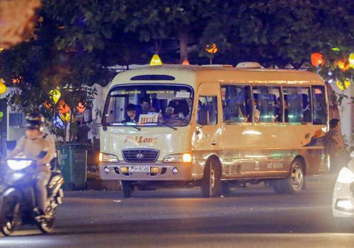 Chủ tịch Đà Nẵng đích thân đi quay phim xe dù, bến cóc