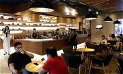 'Phá sản vì khách uống cà phê 20.000 ngồi đồng 5 tiếng': Cơ hội trong khó khăn