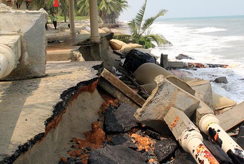 Hội An (Quảng Nam)bị nước biển xâm thực mạnh năm 2014. Ảnh: Tiến Hùng