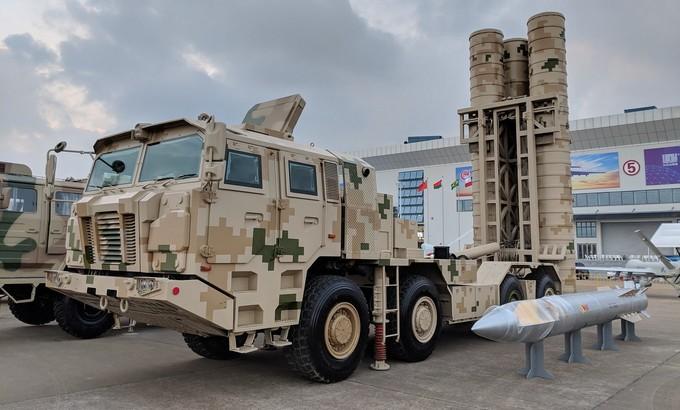 Dàn tên lửa Trung Quốc hé lộ ở triển lãm hàng không Chu Hải 2018