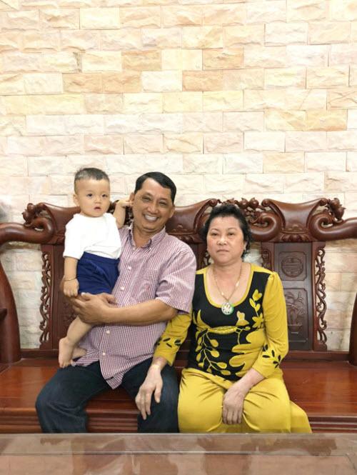 Gia đình hạnh phúc của tôi.