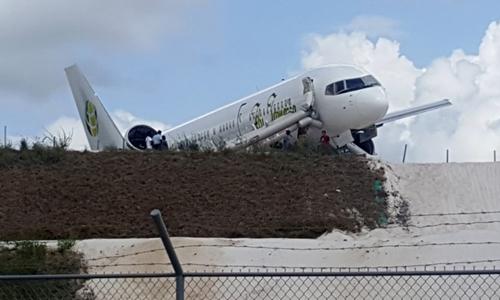 Máy bay trượt đường băng ở Guyana, 6 người bị thương