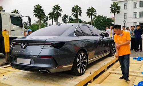 Lux A2.0 là xe sedan.