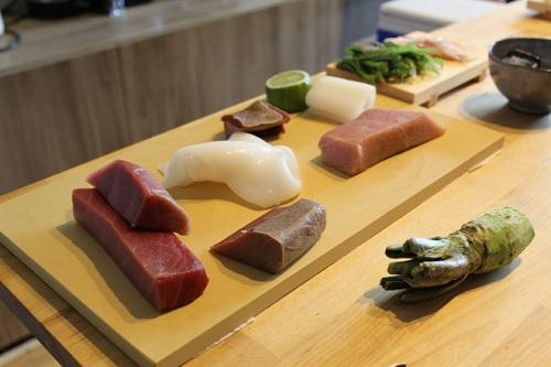 Cá tươi và wasabi. Ảnh: Munchies