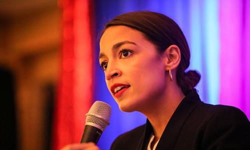 Alexandria Ocasia-Cortez phát biểu trong một cuộc vận động tại New York hôm 1/11. Ảnh: Reuters.