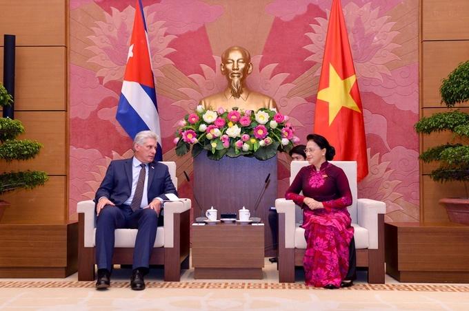 Một ngày của Chủ tịch Cuba ở Hà Nội