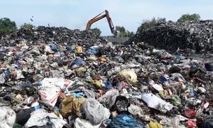 Người dân Cà Mau 'kêu trời' vì mùi hôi thối từ bãi rác tạm