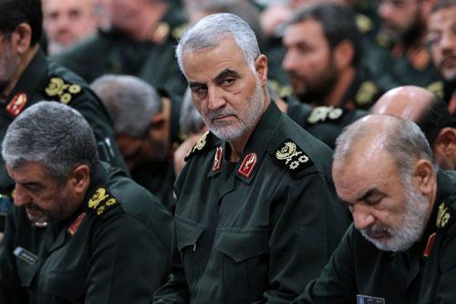 Qassim Suleimani (giữa), chỉ huy Lực lượng đặc nhiệm Quds của Vệ binh Cách mạng Iran. Ảnh: AFP.