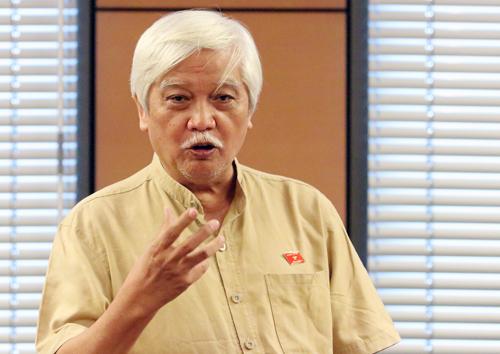 Đại biểu Dương Trung Quốc phát biểu tại tổ chiều 12/10. Ảnh: Võ Hải