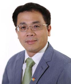 GS.BS Tạ Thành Văn - tân Hiệu trưởng trường Đại học Y Hà Nội.