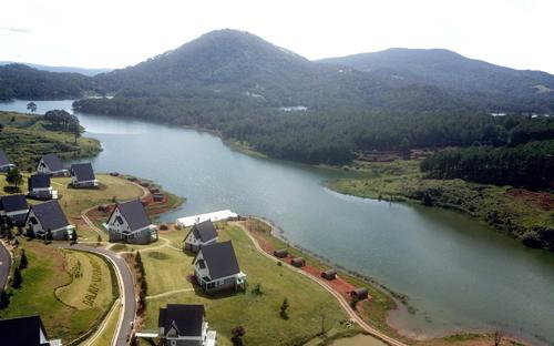 Hồ Tuyền Lâm nhìn từ trên cao. Ảnh: Khánh Hương.