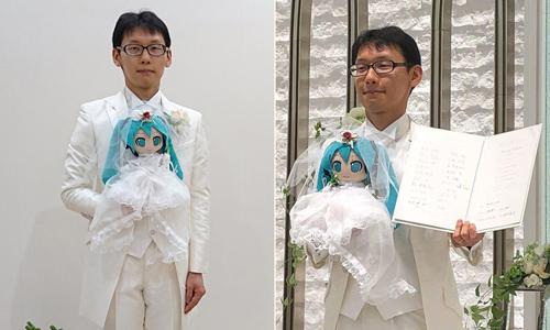 Đám cưới của Akihiko với búp bê ca sĩ ảo hôm 4/11. Ảnh: Twitter.