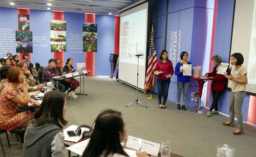 Startup thuyết trình dự án trước các nhà đầu tư.Ảnh: Đại sứ quán Mỹ.