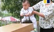 Ông bố Trung Quốc chơi bập bênh cảm biến cùng con trai cách xa 1.000 km