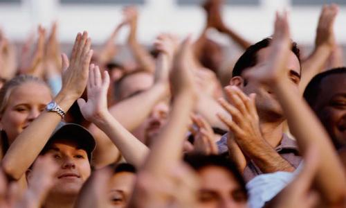 Nguồn gốc và ý nghĩa của hành động vỗ tay