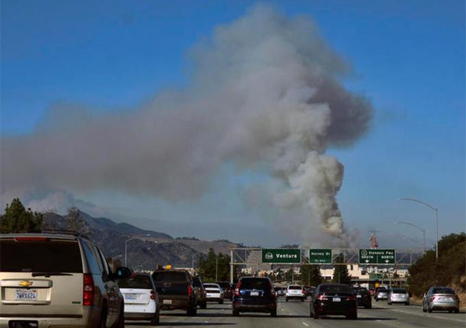'Bão lửa' hoành hành ở California