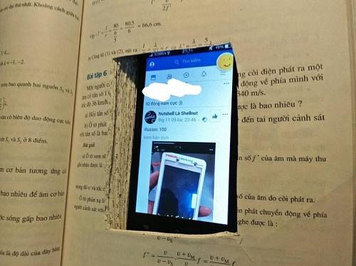 Ốp lưng điện thoại của học trò.