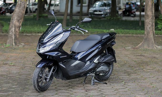 Mức giá gần 90 triệu sẽ là trở ngại cho mẫu xe hybrid tại Việt Nam. Ảnh: Lương Dũng.