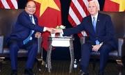 Thủ tướng Nguyễn Xuân Phúc gặp Phó tổng thống Mỹ ở Singapore