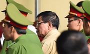 Hai cựu tướng công an phải rời ghế bị cáo vì vấn đề sức khoẻ
