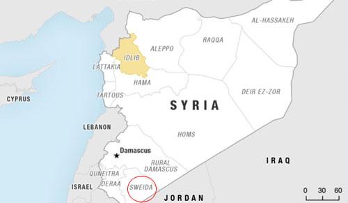 Phiến quân IS đang co cụm cố thủ ở khu vực núi lửa thuộc tỉnh Sweida, miền nam Syria. Đồ họa: BBC.