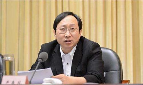 Nghiêm Xuân Phong, cựu phó bí thư thành phố Quảng An, tỉnh Tứ Xuyên. Ảnh: SCMP.