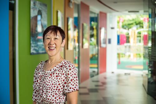 Cô Rae Lang thuộc tên cả 450 học sinh tại trường