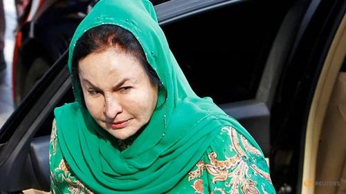 BàRosmah Mansor tới tòa án ở Kuala Lumpur hôm nay. Ảnh: Reuters.