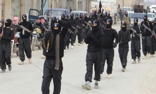 Phiến quân IS ở Iraq. Ảnh: RT.