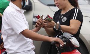 Vì sao ở Việt Nam có phe vé?