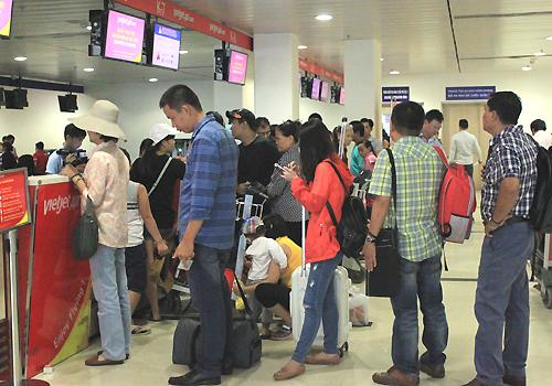 Sân bay Tân Sơn Nhất nơi vị khách châu Phi đang tạm lưu trú. Ảnh minh họa: Đoàn Loan