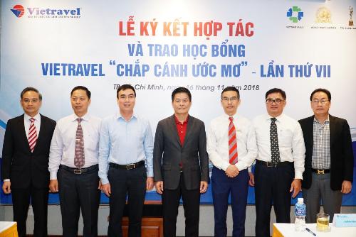 Vietravel kết thỏa thuận hợp tác với 5 trường đại học tại TP HCM nhằm thúc đẩy nguồn nhân lực trẻ chất lượng từ các trường đại học.