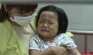 Hơn 100 trẻ nhập viện sau buổi liên hoan ở trường mầm non