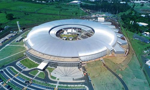 Máy gia tốc hạt Sirius rộng tương đương sân vận động Maracana. Ảnh: Japan Times.