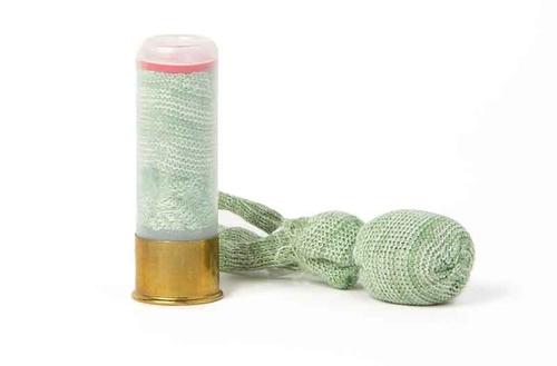 Viên đạn có dây ngắn đằng sau để tăng độ chính xác.