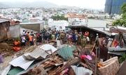 Nha Trang tan hoang sau trận sạt lở làm 12 người chết