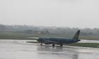 Mưa lớn khiến nhiều chuyến bay đến Nha Trang phải chuyển hướng