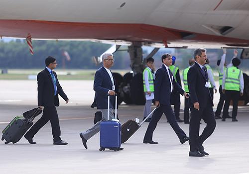 Tháp tùng Tổng thống trong chuyến thăm Việt Nam lần này có nhiều đại diện các tập đoàn lớn. Ảnh: Nguyễn Đông.