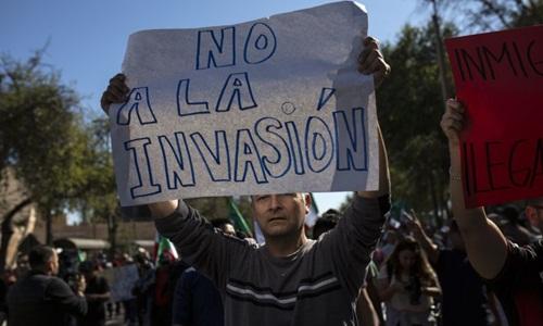 Dân Mexico nổi giận, đòi đuổi đoàn người di cư ở biên giới Mỹ