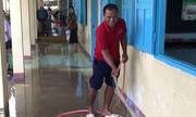 Ninh Thuận làm vệ sinh trường lớp bị ngập sau lũ