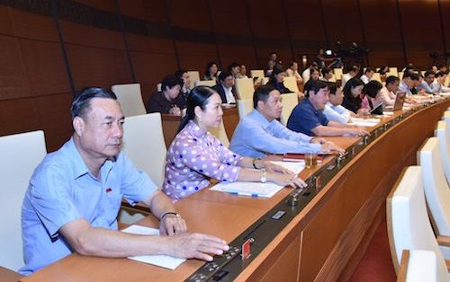 Quốc hội thông qua luật Giáo dục đại học sửa đổi. Ảnh: Trung tâm báo chí QH