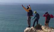 Dù không mở, người đàn ông thiệt mạng khi nhảy từ vách đá cao 91 m