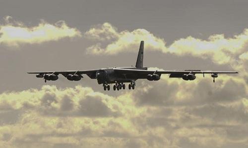 Mỹ điều oanh tạc cơ B-52 Mỹ bay qua Biển Đông