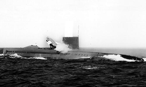 Tàu ngầm USS Halibut (SSGN-587) phóng tên lửa  SSM-N-8 Regulus. Ảnh: US Navy.