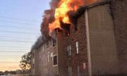 Dân Mỹ nhảy khỏi chung cư ngùn ngụt lửa