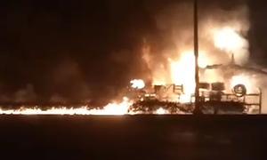 8 giây gây cháy hàng loạt nhà của chiếc xe bồn chở xăng