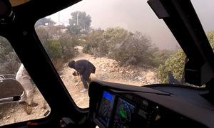 Phi công dũng cảm cứu người giữa khói lửa dày đặc ở California